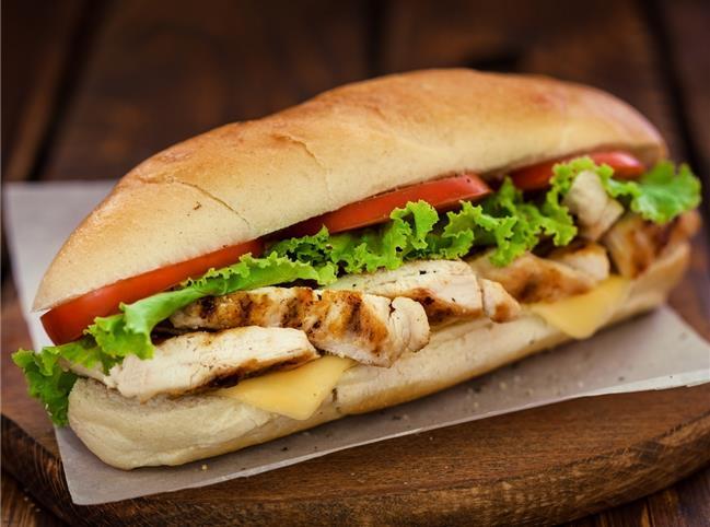 طرز تهیه ساندویچ مرغ به سبک رستوران ها