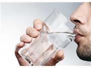 فواید نوشیدن آب گرم به صورت ناشتا